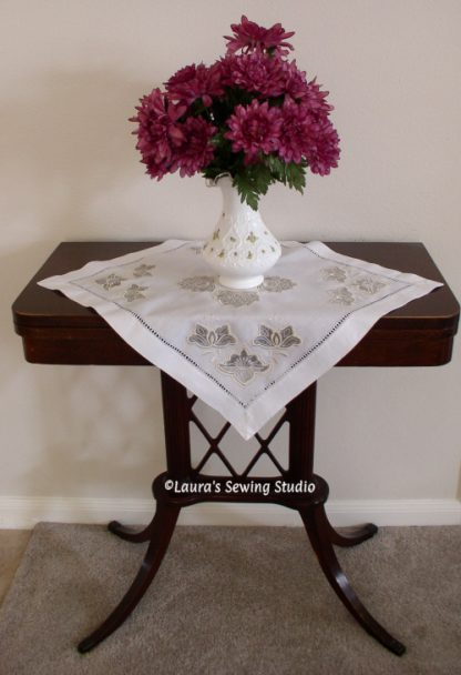 Prisms Amour Table Cover